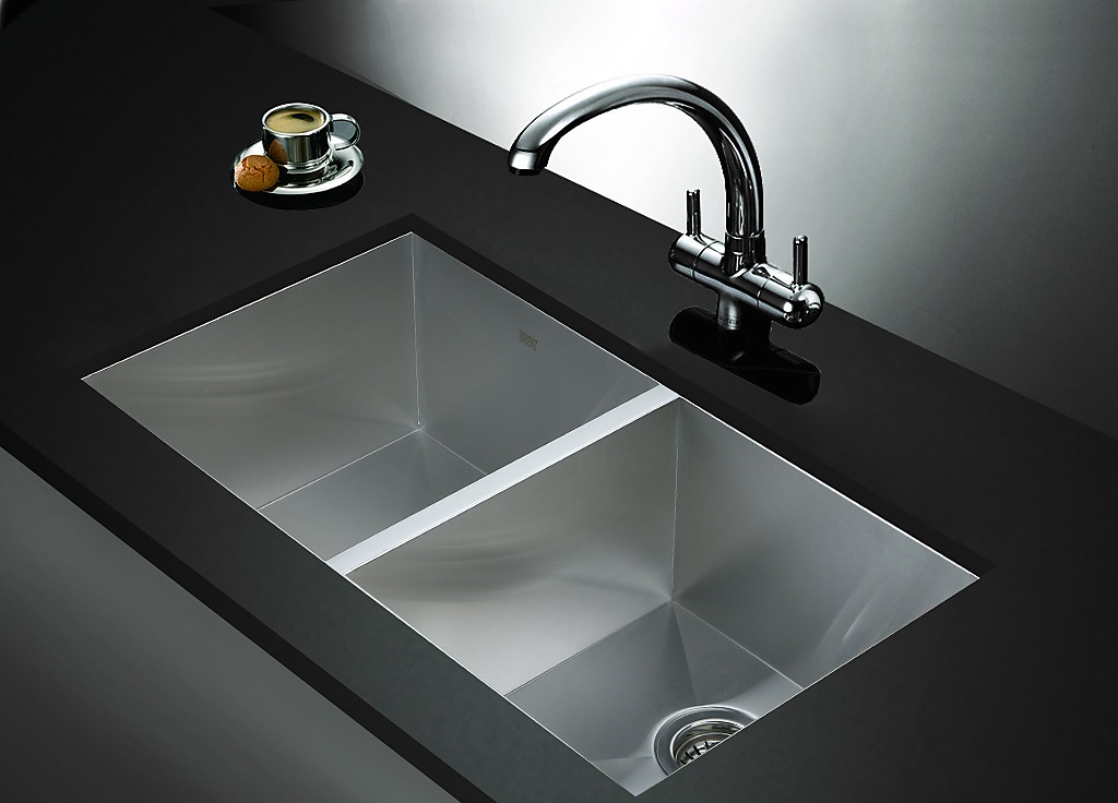 820x457mm Handmade Stainless Steel Sink With Waste And Drain Plug